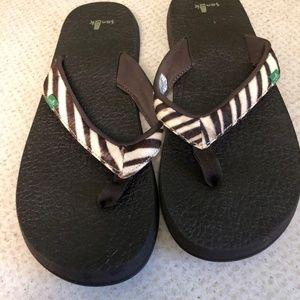 Sanuk Animal Print Sandals - Size 9